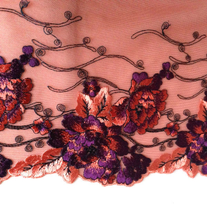Вышивка на сетке 25см терракотовый с фиолетовыми цветами, неэластичная, ЛЕВАЯ